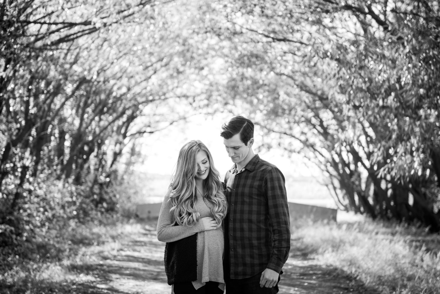 Beautiful river valley maternity session in Edmonton Alberta | 3Haus Photographics