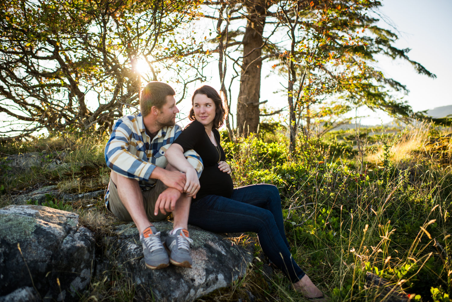 Beautiful Light on Keats Island for this couples maternity session | 3Haus Photographics
