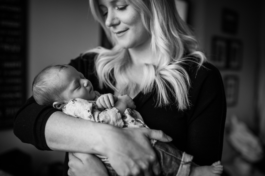 Edmonton Newborn session, YEG photographer, In home newborn session, Lifestyle photographer, Intimate newborn session | 3Haus Photographics